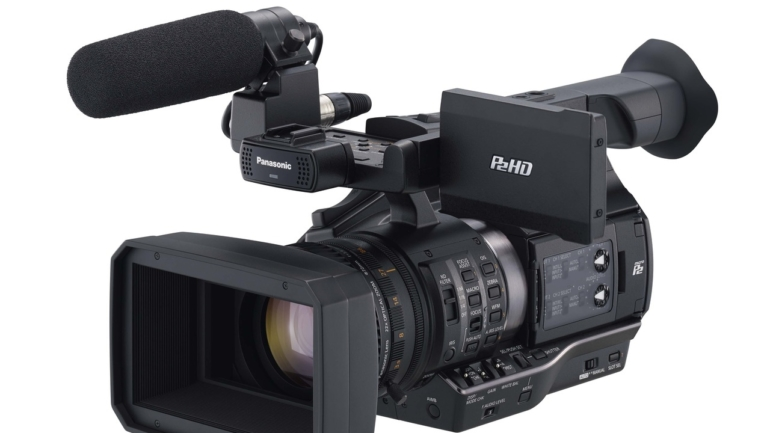 Panasonic: AJ-PX5000 Con AVC Ultra e AJ-PX270 Mock-Up
