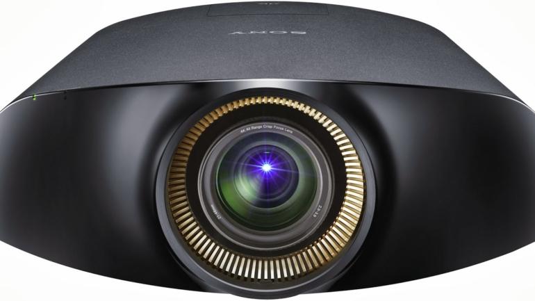 Il nuovo proiettore VPL-VW1100ES di Sony eleva gli standard dell'esperienza Home Theatre 4K