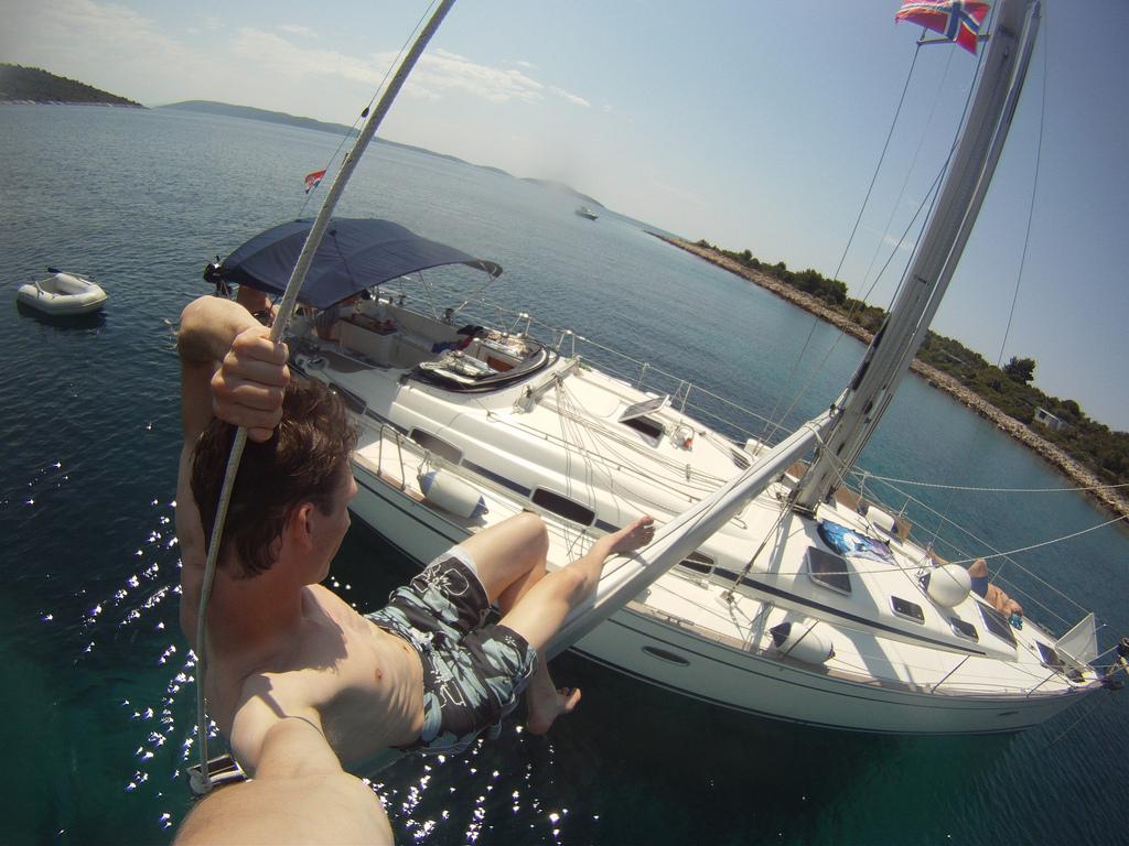 A bordo con gopro e gli accessori per la for Accessori per barca a vela