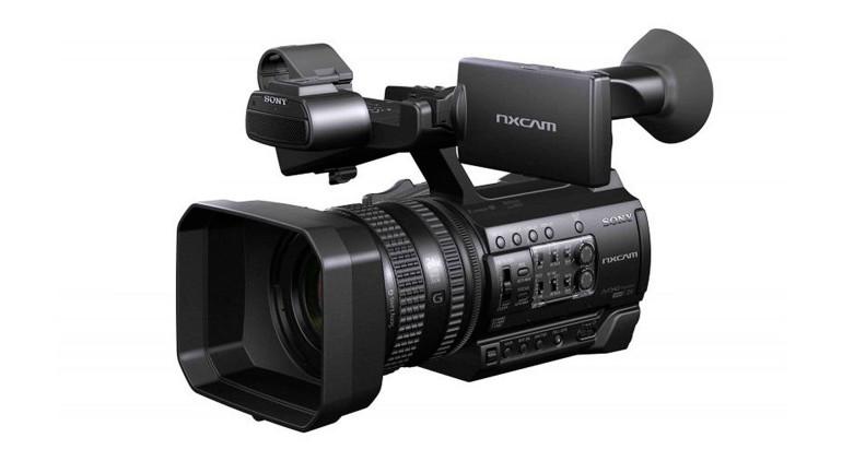 Sony presenta  il nuovo camcorder professionale portatile NXCAM HXR-NX100