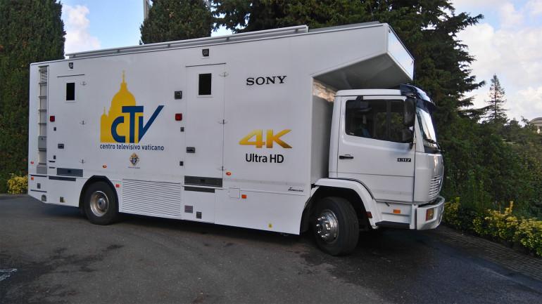 Apertura Porta Santa per il giubileo straordinario ripresa con tecnologia Sony 4K UHD e HDR