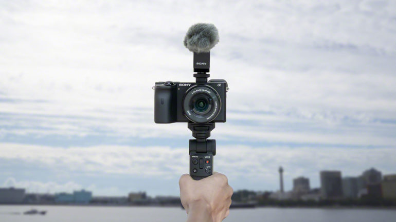 Sony GP-VPT2BT: shooting grip con funzione di telecomando wireless